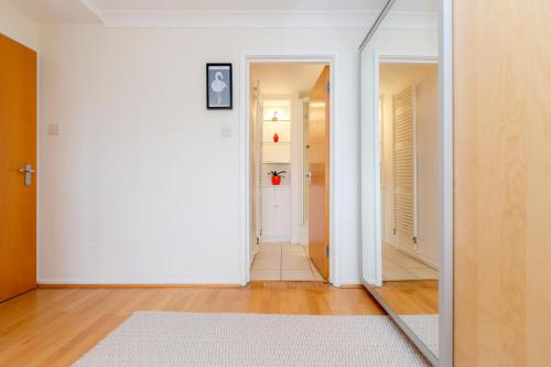Bright 2bed flat - Notting Hill/Holland Park photo 16