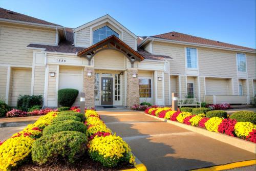 Sonesta ES Suites St. Louis Westport Photo