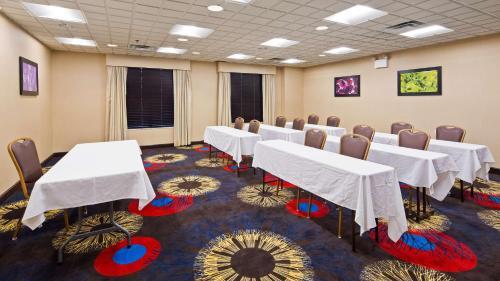 Best Western Regency Plaza Hotel - St. Paul East Photo