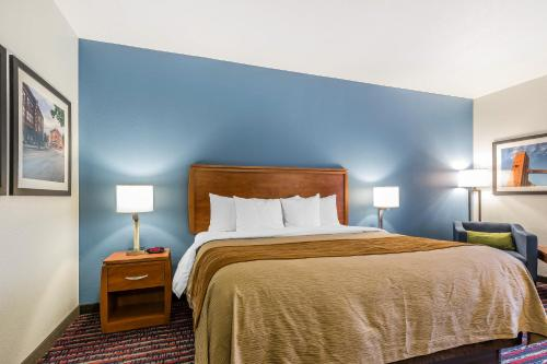 Comfort Inn Alton Photo