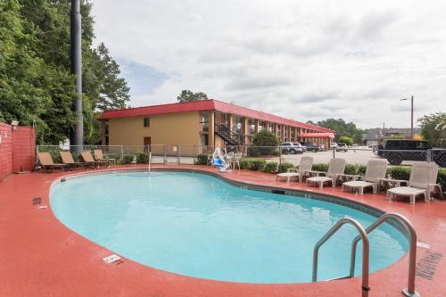Travelodge By Wyndham Savannah Area/richmond Hill - Richmond Hill, GA 31324