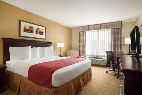 Country Inn & Suites by Radisson, Washington at Meadowlands, PA Photo
