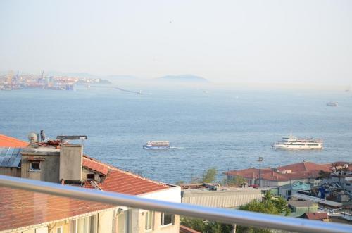 Istanbul Sarah Suit contact