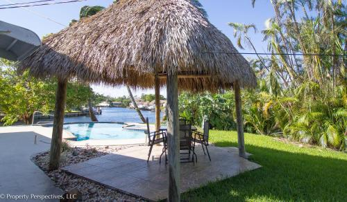 Waterfront | Pool | Paddleboards | Tiki Hut - Hollywood, FL 33020