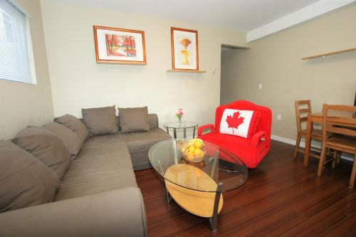 Perfect One Bedroom Suite With Garden View - Vancouver, BC V5S 3K3