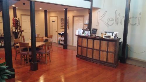 Kelinci Spa Bed & Breakfast - Long Beach, MS 39560
