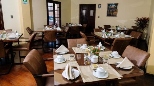 Hotel Villa del Carmen Photo