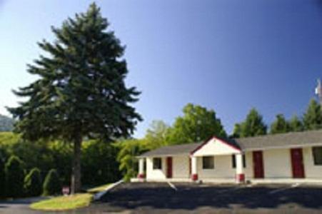 Appalachian Motel Photo