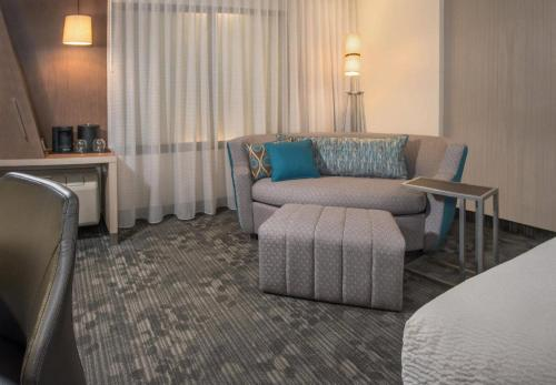 Courtyard By Marriott Atlanta Kennesaw - Kennesaw, GA 30144