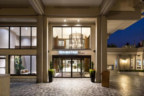 Doubletree By Hilton Hotel Suites Victoria