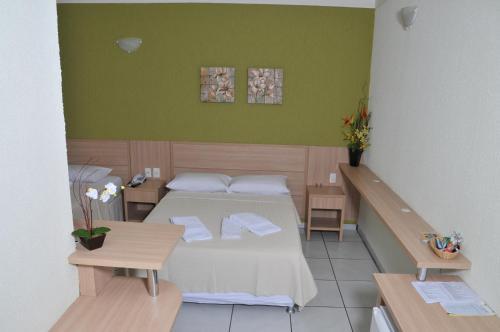 Garden Hotel Photo