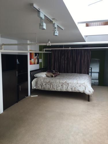 Spacious Luxury Loft: Dt Views + Balcony + Parking - Vancouver, BC V5Y 1K6