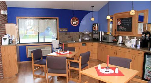 Tivoli Inn And Suites - Elk Horn, IA 51531