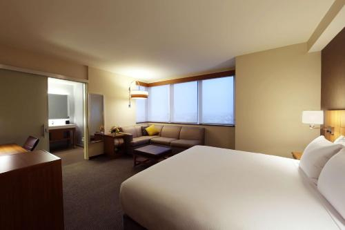Hyatt Place Flushing/LGA Airport Photo