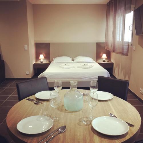 Hotel appart hotel villa serafina niza desde 95 rumbo for Appart hotel 95