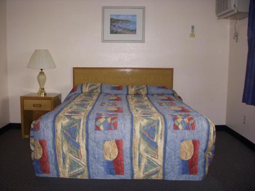 Apple Tree Inn - Spokane, WA 99218