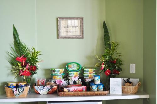 The Palms Cliff House Inn - Honomu, HI 96728