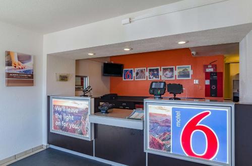 Motel 6 Cheyenne Photo