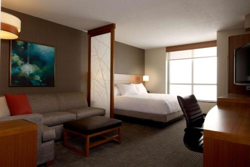 Hyatt Place DFW Photo