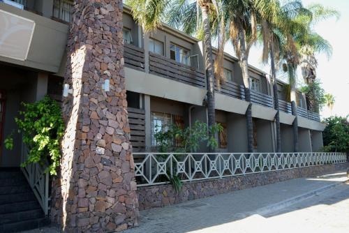 Elephant Springs Hotel & Cabanas Photo