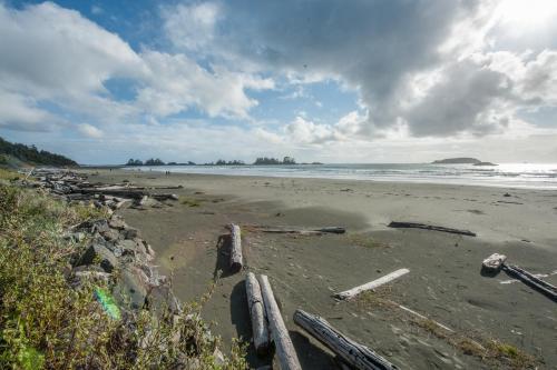 Tofino Beach House - Tofino, BC V0R 2Z0