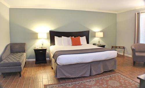 The Dahlonega Square Hotel - Dahlonega, GA 30533