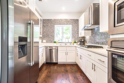 Modern Home - Atlanta, GA 30307