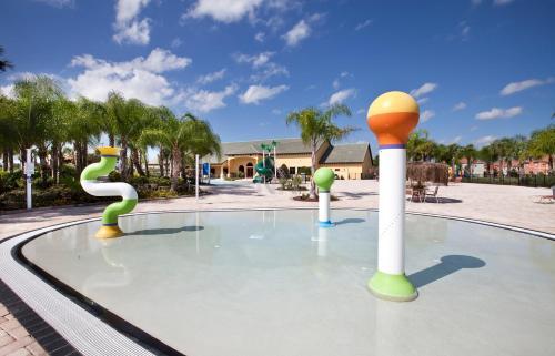 Single Family 5 Bedrooms 89ca00 - Kissimmee, FL 34747