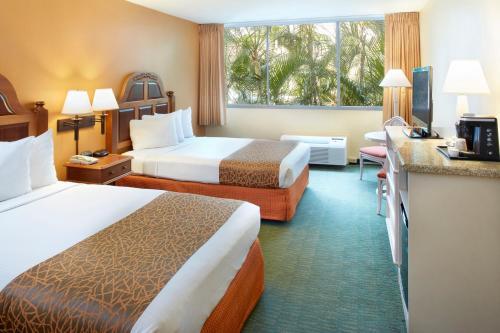 Airport Honolulu Hotel Photo