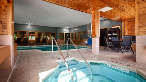Best Western Plus Kalamazoo Suites Photo