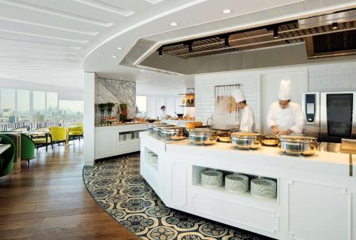 Hyatt Regency Dubai - Corniche photo 14