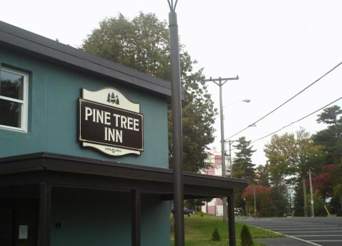 Pine Tree Inn - Bangor, ME 04401