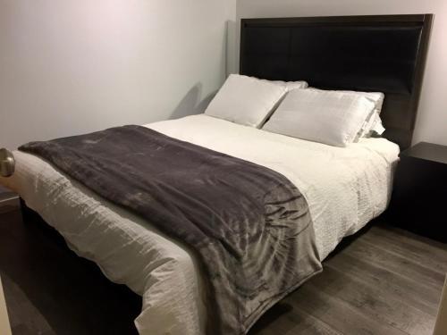 Cozy Suite By Horseshoe Bay - West Vancouver, BC V7W 2J1