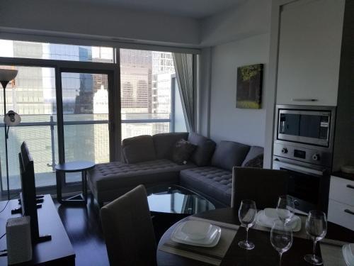 Canvas Suites Furnished Condos toronto - Toronto, ON M5J 0B1