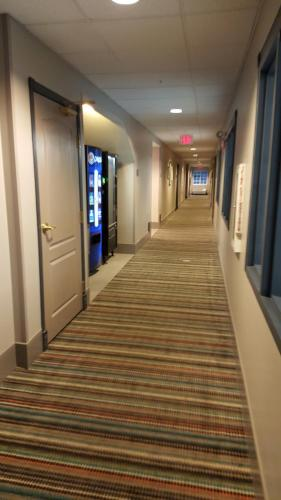 Country Inn & Suites by Radisson, Springfield, OH Photo