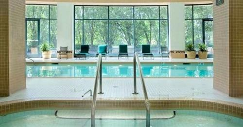 Doubletree Guest Suites & Conf. Center Chicago Downers Grove - Downers Grove, IL 60515