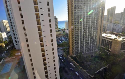 Waikiki Banyon 2206 Photo