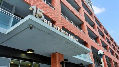 15 Bruyeres Mews - Toronto, ON M5V 0G8
