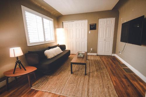 Cozy Wash Park Townhome - Denver, CO 80209