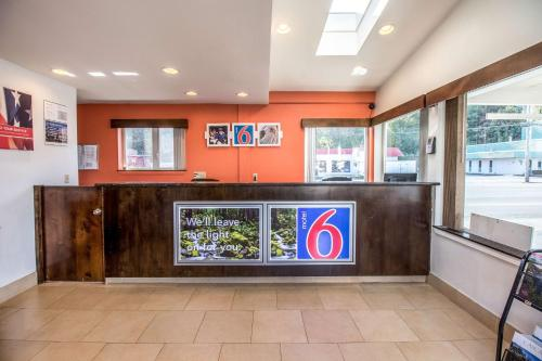 Motel 6 Astoria Photo