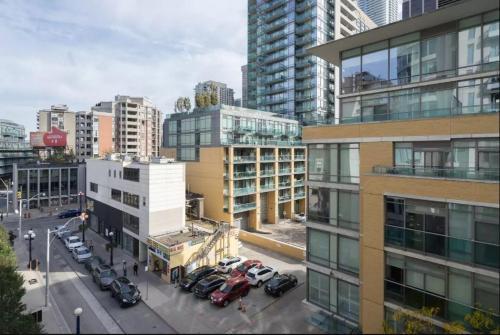 Yorkville's Finest + Parking (yonge & Bloor) - Toronto, ON M5R 1E9