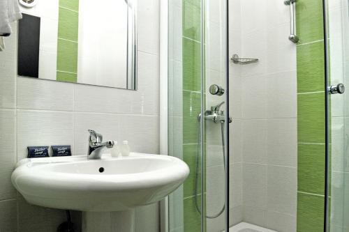 https://q-xx.bstatic.com/images/hotel/max500/117/117571115.jpg