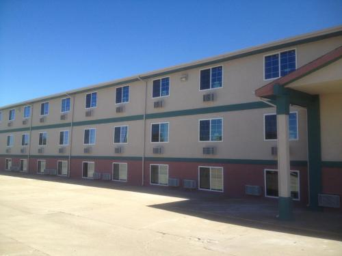 Value Inn & Suites Salina - Salina, KS 67401
