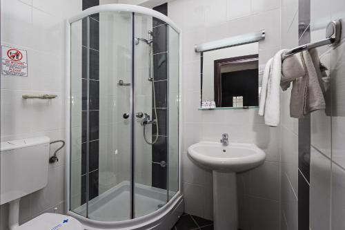 https://q-xx.bstatic.com/images/hotel/max500/117/117603251.jpg
