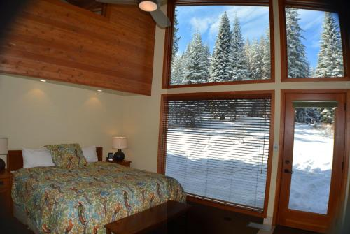 Montecito Sequoia Lodge Photo