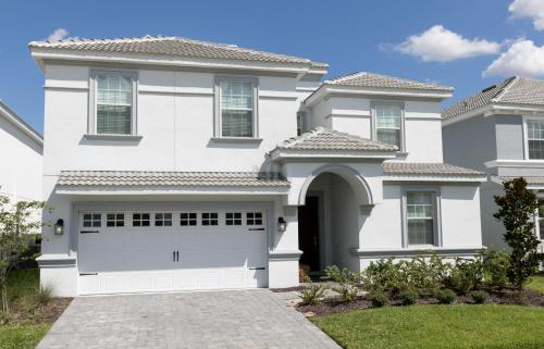 9 Bedrooms Single Family Champions Gate Resort 15mb13
