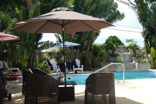 Beautiful And Spacious 3 Bdr House With Pool Near Beaches