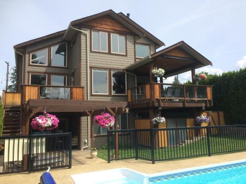Beyond The Vineyards Bed And Breakfast - Kelowna, BC V1W 1L9