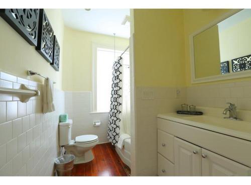 Oglethorpe Main House - Two-bedroom - Savannah, GA 31401
