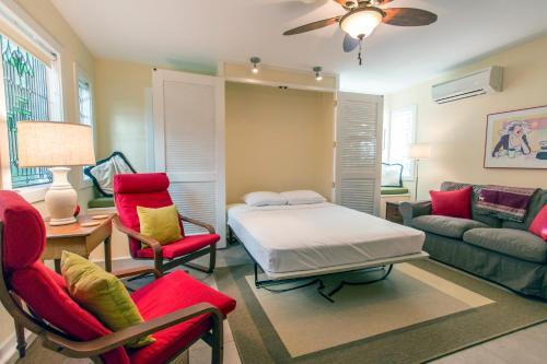 Courtyard On Gaston - Two-bedroom - Savannah, GA 31401